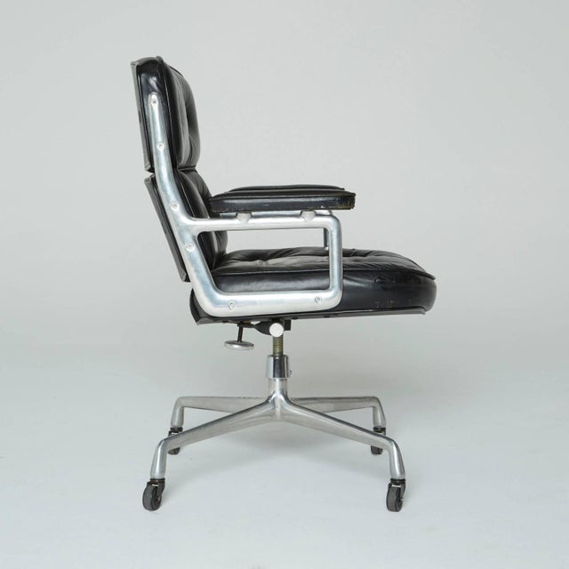Time Life Executive Office Chair by Charles Eames - Image 3 of 9