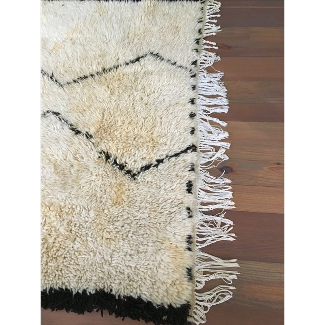 Vintage Moroccan Beni Ourain Rug - 4′4″ × 6′7″ - Image 8 of 8