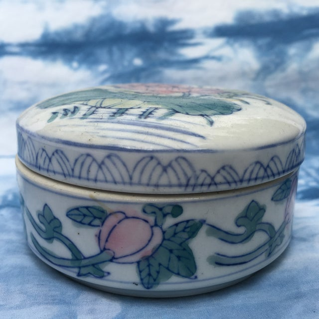 Image of Vintage Chinoiserie Round Porcelain Box