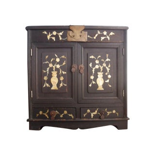 Early 1900s Chinese Cabinet with Mother of Pearl