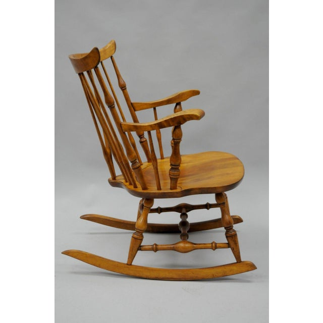 Colonial Traditional Vtg Nichols & Stone Maple Wood Windsor Rocking Chair Rocker - Image 5 of 11