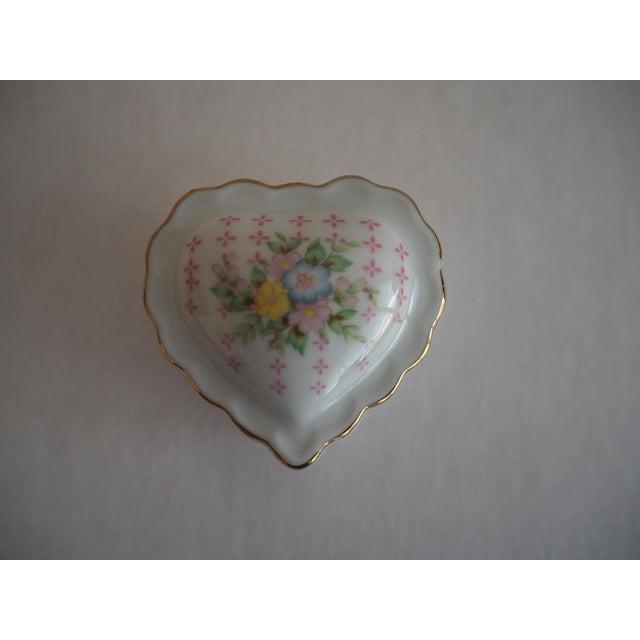 Porcelain Heart Shaped Box - Image 5 of 5