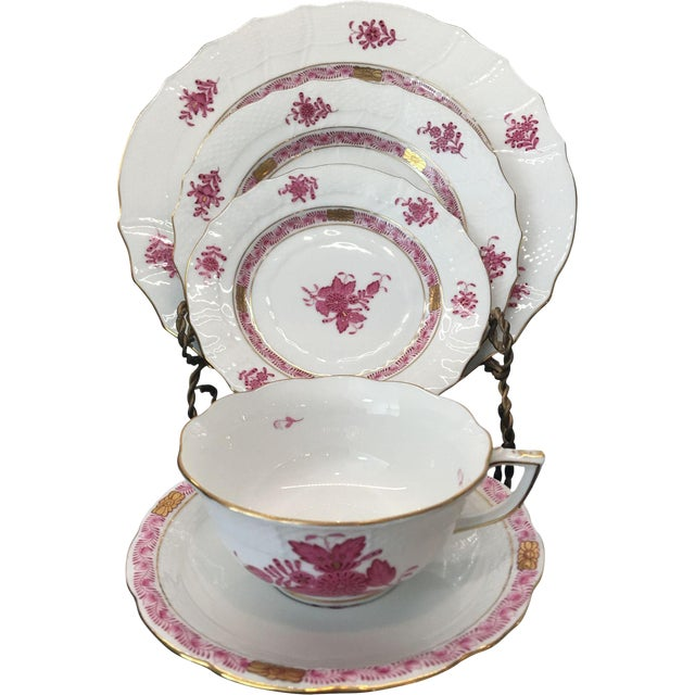 Herend Chinese Bouquet Raspberry Place Setting- 5 Pieces - Image 1 of 4