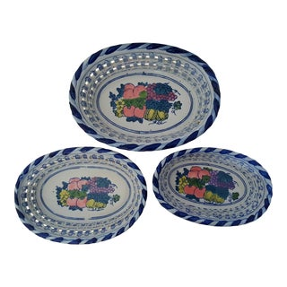 Blue and White Reticulated Chinois Ceramic Nesting Bowls - Set of 3