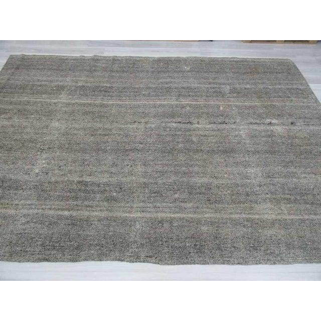 Vintage Turkish Modern Gray Kilim Rug- 8′ × 11′1″ - Image 4 of 6