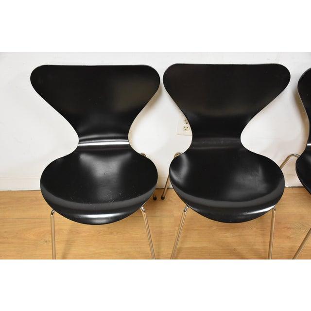 Arne Jacobsen Fritz Hansen Chairs - Set of 4 - Image 4 of 11