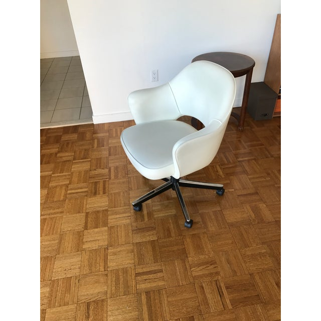 Knoll Saarinen Leather Arm Chair - Image 2 of 4