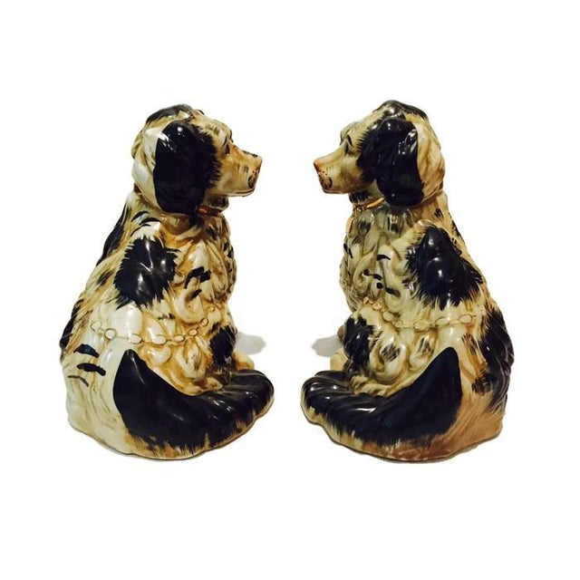 1920s Staffordshire Dogs King Charles Spaniels - A Pair - Image 2 of 7