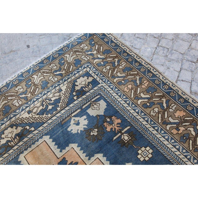What Makes Turkish Rugs Great How You Can Read The Design Of A Turkish Rug: Vintage Turkish Oushak Rug - 6′ × 9′1″