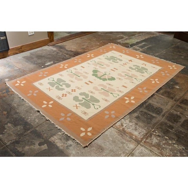 Butterfly Dhurrie Handoven Wool Rug - 5′7″ × 8′5″ - Image 4 of 6